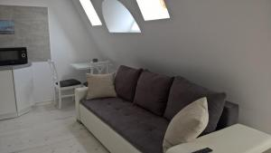 location-szczecin-studio-11-4-sofa