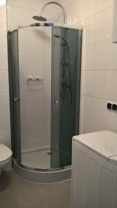 location-szczecin-studio-13-10-shower-mashing-machine