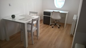 location-szczecin-studio-13-7-desk-table