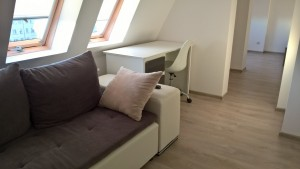 location-szczecin-studio-14-8-sofa-desk